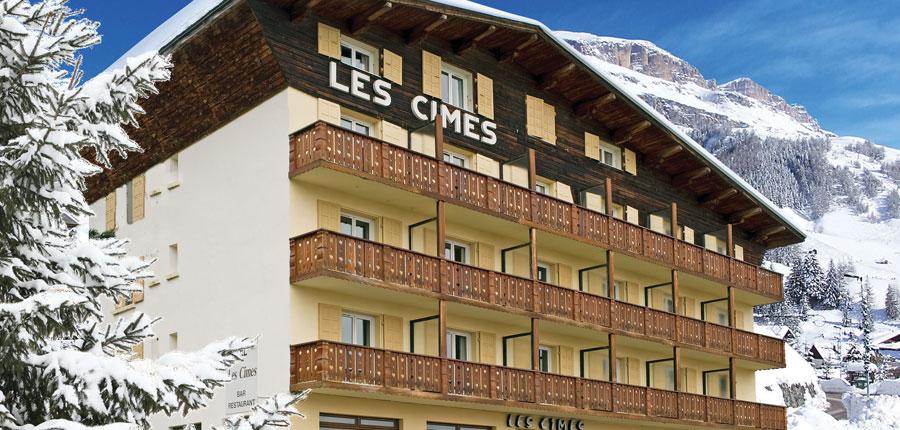France_Alpe-dHuez_Chalet_hotel_les_cimes_exterior.jpg